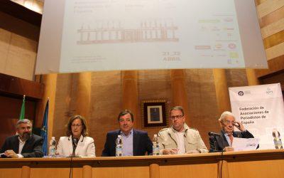 Fernández Vara aboga por un periodismo libre de poderes y presiones
